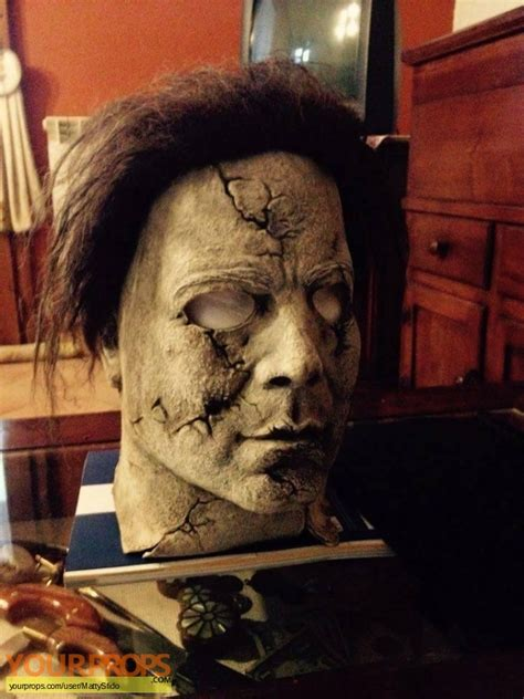 Halloween (Rob Zombie's) Mask Michael myers RZ swatches