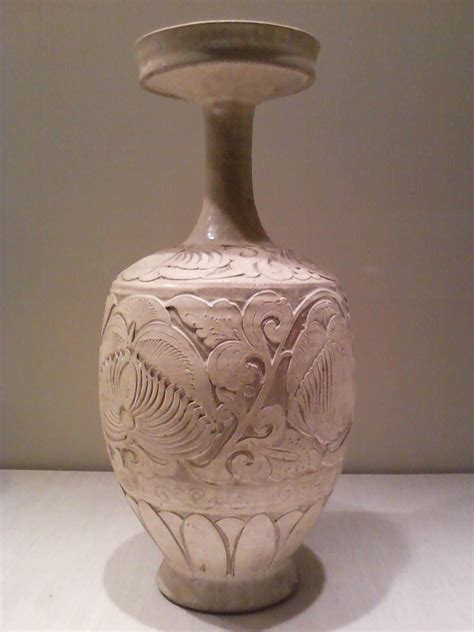 Vase with carved peony scrolls - Wikipedia