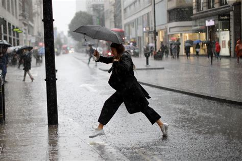 UK weather forecast: London hit by more than 12 hours of