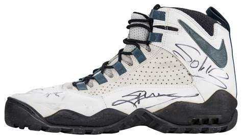 Lot Detail - 1994-95 Dennis Rodman Game Used and Signed