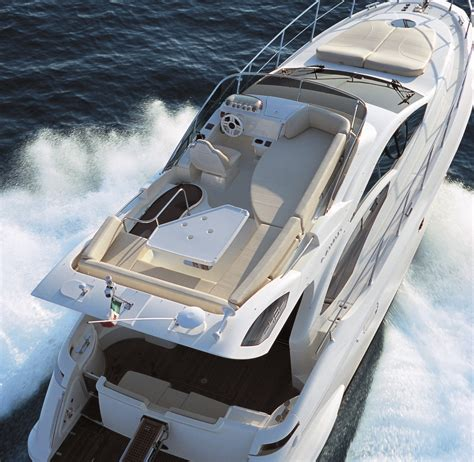 Motor Yacht Azimut 43 Flybridge - View from a helicopter